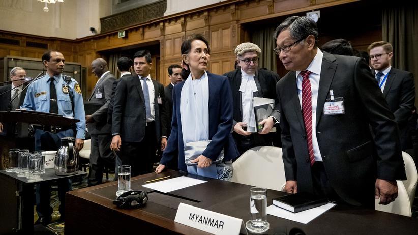 """Rohingya-Prozess: Aung San Suu Kyi bestreitet """"Absicht eines Völkermords"""""""