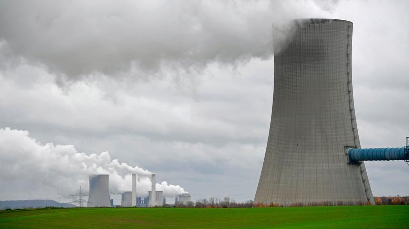 Klimaaktivismus: Ein Kohlekraftwerk des Energieversorgers RWE in Neurath in Nordrhein-Westfalen