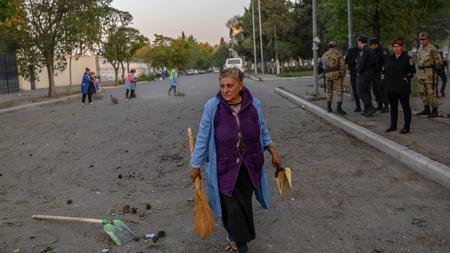 Armenien Und Aserbaidschan Waffenruhe In Bergkarabach In Kraft Getreten Zeit Online