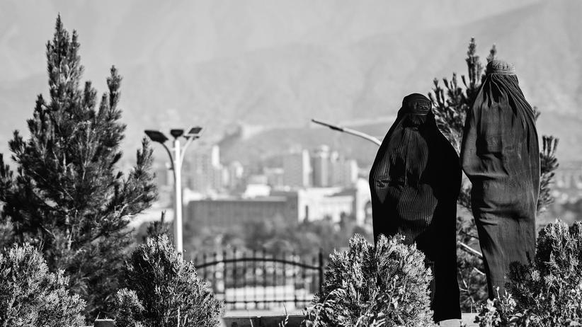 Politikpodcast: Was wird aus den Frauen von Kabul?