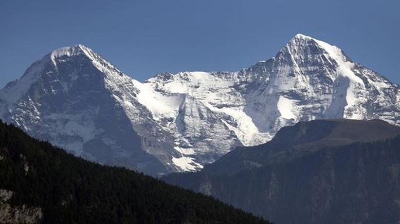 Eiger und Moench bilden zusammen das Gebirgsmassiv Jungfrau