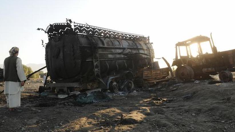 Kundus-Affäre: Am 4. September 2009 bombardierten US-Kampfflugzeuge auf Befehl des deutschen Oberst Georg Klein zwei entführte Tankwagen. Bis zu 142 Menschen starben