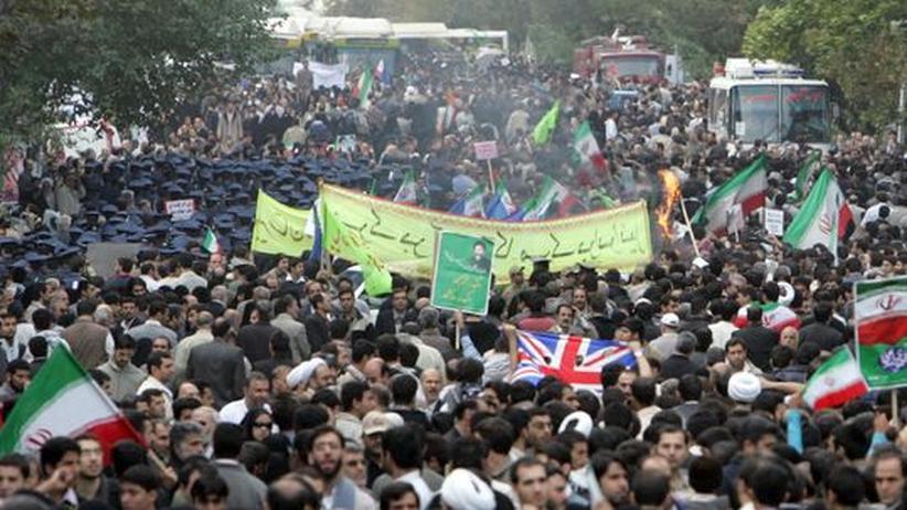 Iran: Teheran am 30. Jahrestag der Besetzung der US-Botschaft: Mehrere Hundert Anhänger der Opposition versuchen, die offizielle Veranstaltung des Regimes für ihre Proteste zu nutzen