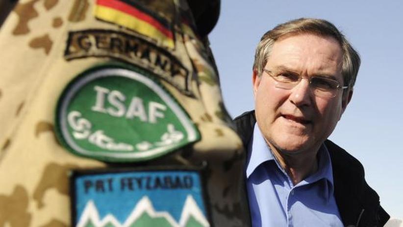 Bundeswehr-Skandal: Jung im Schatten der Vergangenheit