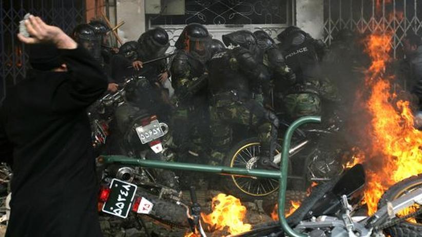 Proteste in Iran: Teherans Machthaber rächen sich mit neuen Festnahmen