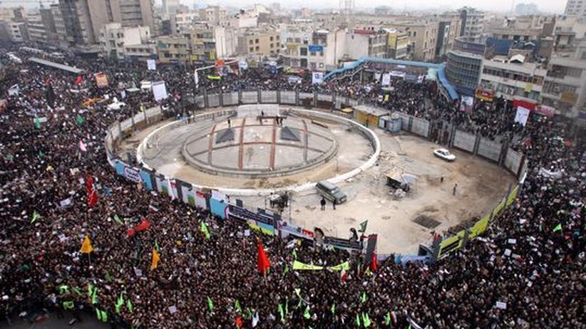 Machtkampf: Unterstützer des iranischen Regimes in Teheran am 30. Dezember