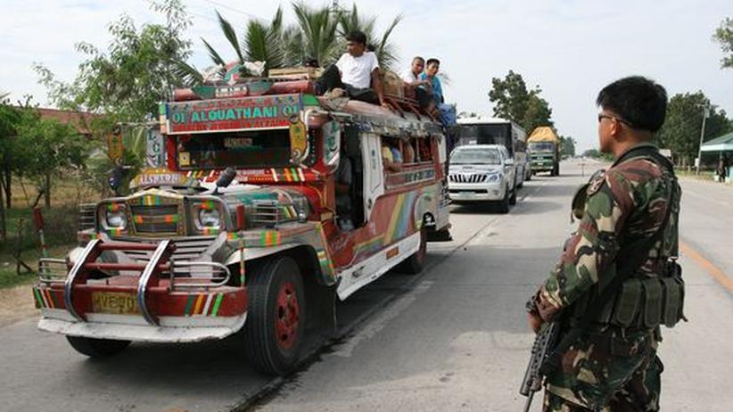 Philippinen: Regierung verhängt Kriegsrecht