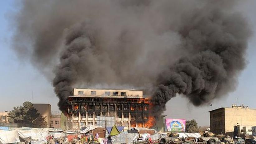 Afghanistan: Taliban greifen Regierungsviertel in Kabul an
