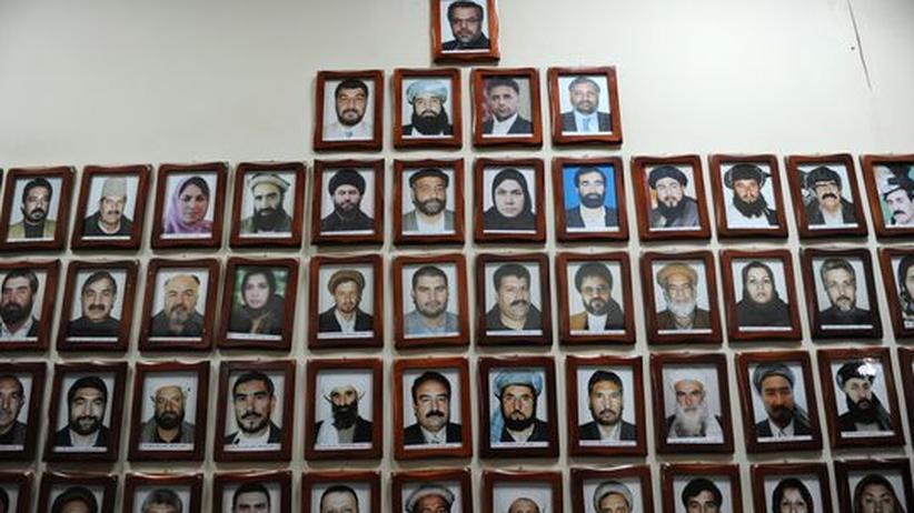 Afghanistan: Die derzeitigen Mitglieder des afghanischen Parlaments – sie lehnten zehn der 17 von Präsident Karsai vorgeschlagenen Ministerkandidaten ab