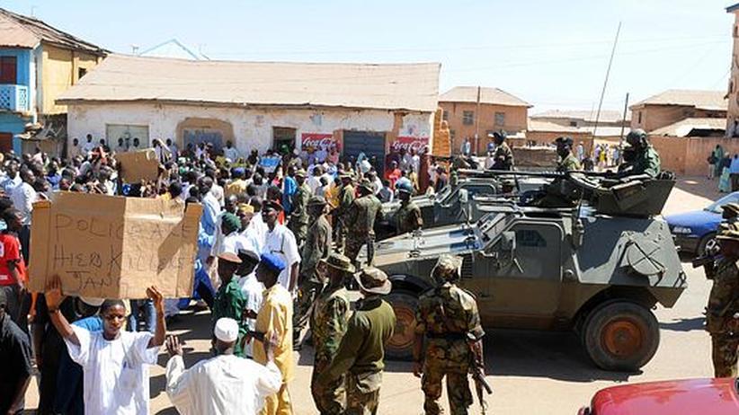 Nach Unruhen: Sicherheitskräfte beruhigen Lage in Nigeria