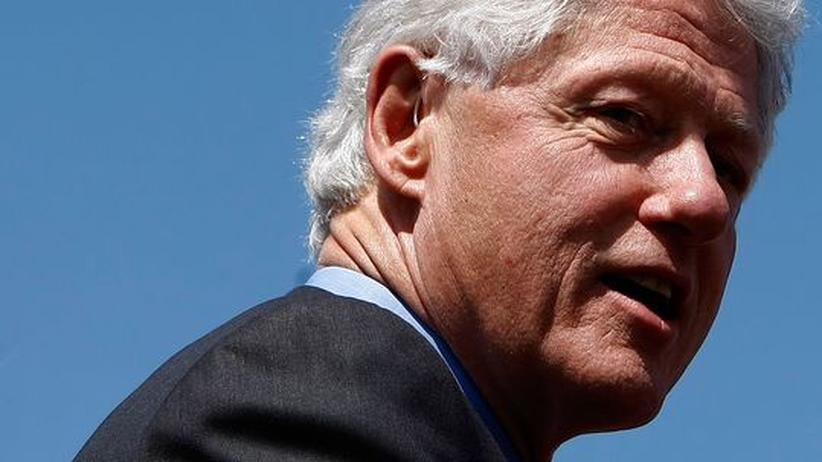 Medizin: Bill Clinton nach überraschender Herz-OP wohlauf
