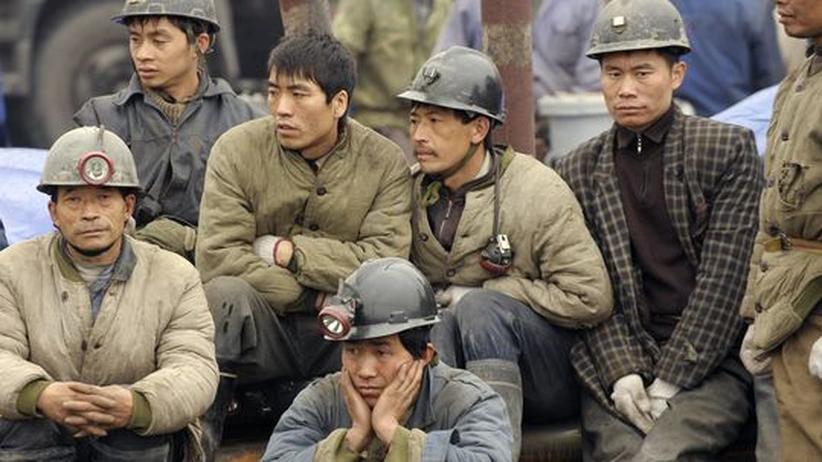 Grubenunglück: Retter kämpfen um verschüttete Bergarbeiter in China