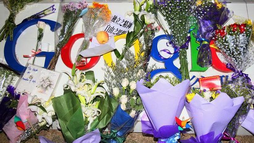 Suchmaschine: Abschiedsgrüße: Google-Fans haben am Sitz des Konzerns in Peking Blumen abgelegt