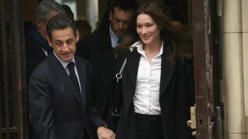 Präsident Sarkozy mit Gattin Carla Bruni-Sarkozy am Sonntag