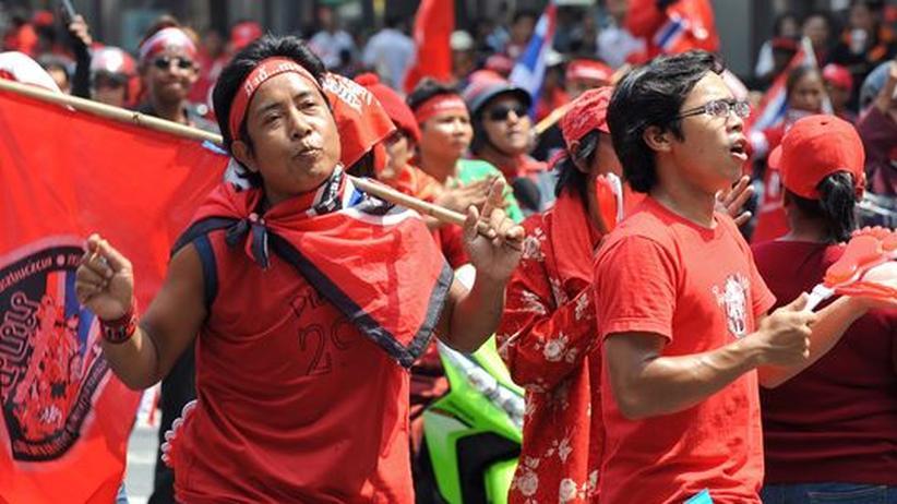 Thailand: Rot gegen Gelb und Rosa in Bangkok