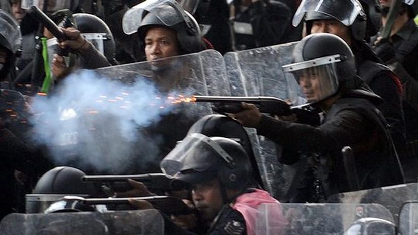 Thailand: Machtkampf weitet sich aufs Umland aus