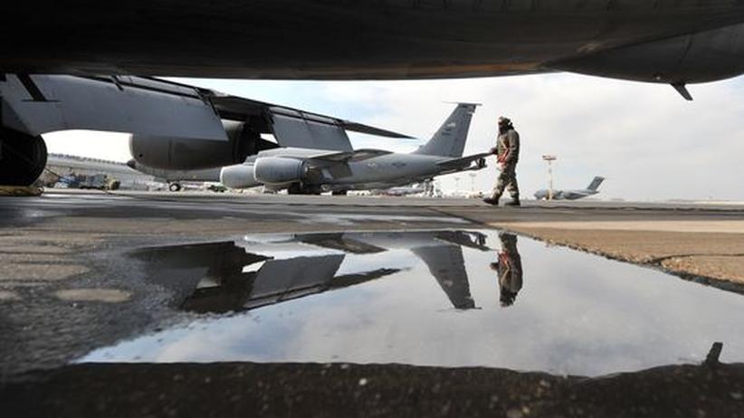 Flugzeugtechnik: Aschewolke könnte Nato-Einsätze behindern