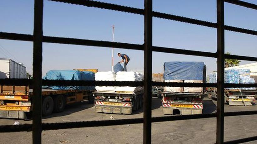 Ladungscheck im palästinensischen Rafah. Israel hat beschlossen, die Blockade der Lieferungen nach Gaza weitgehend aufzuheben
