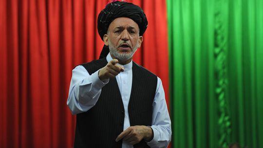 Frieden mit den Taliban als Ziel: der afghanische Präsident Karsai auf einer Stammesversammlung (Archivbild)