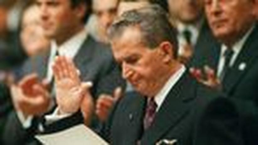 Rumänien: Ceauşescu, der Wiedergänger