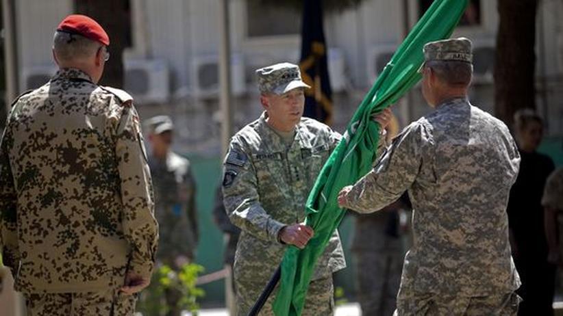Führungswechsel: General Petraeus tritt McChrystals Nachfolge an