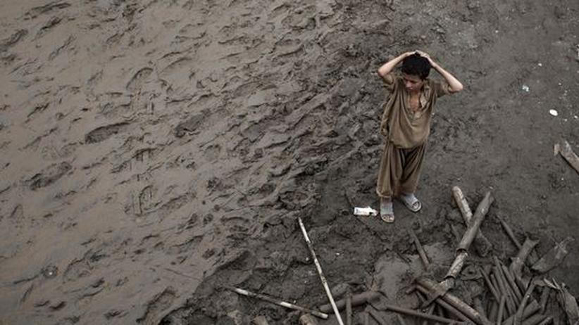 Flutkatastrophen-Hilfe: Pakistans Taliban eifern um die Flutopfer
