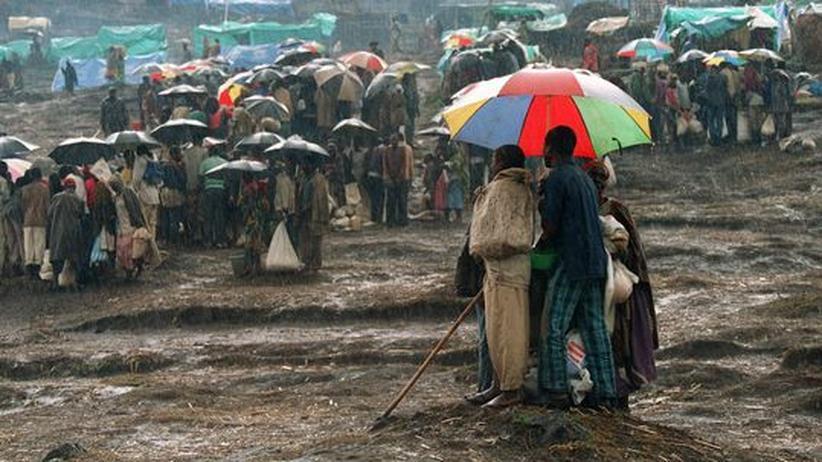 Ruandische Flüchtlinge in einem Lager in Zaire