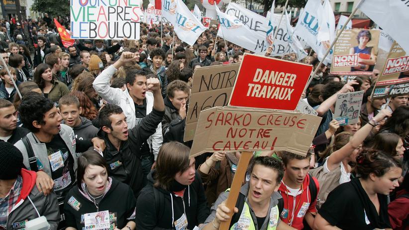 Rentenreform: Anti-Sarkozy-Proteste legen Frankreich lahm