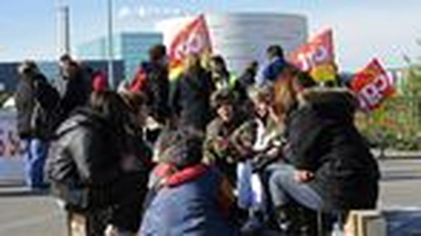 Frankreich: Gewerkschaften entdecken ihre Schlagkraft