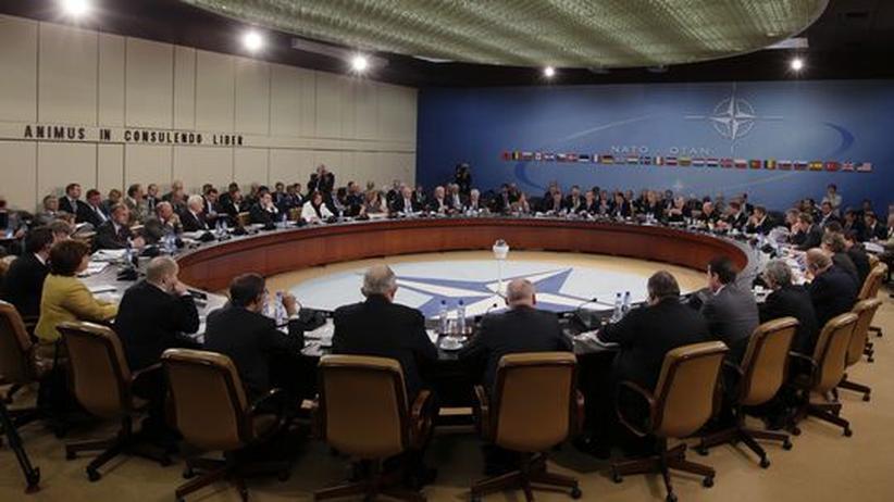 Neuausrichtung: Nato-Minister beschließen Sparkurs im Bündnis