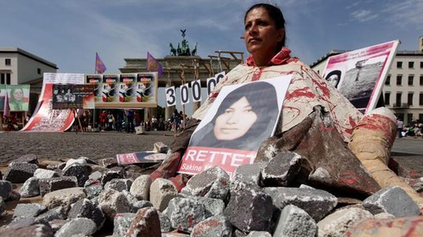 Demonstration gegen die angedrohte Steinigung von Sakineh Ashtiani