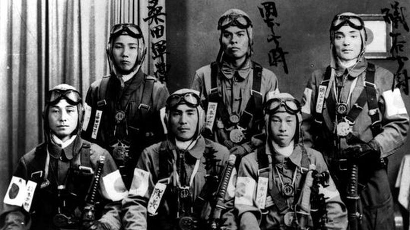 Zweiter Weltkrieg: Kamikaze-Flieger vor dem Einsatz