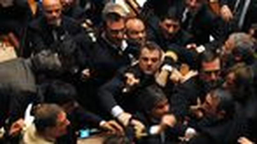 Italien: Wie Berlusconi fast gestürzt wäre