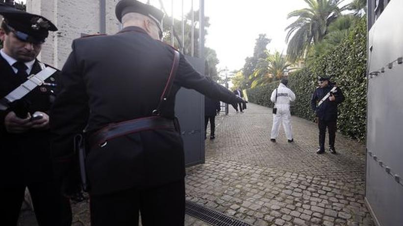 Anschlagsserie: Bombenanschläge auf Botschaften in Rom