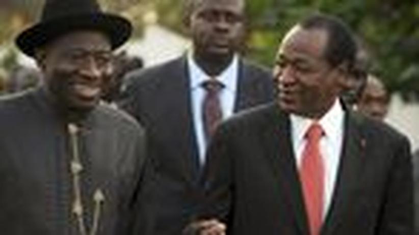 Machtkampf: Westafrika schließt Elfenbeinküste aus Wirtschaftsunion aus