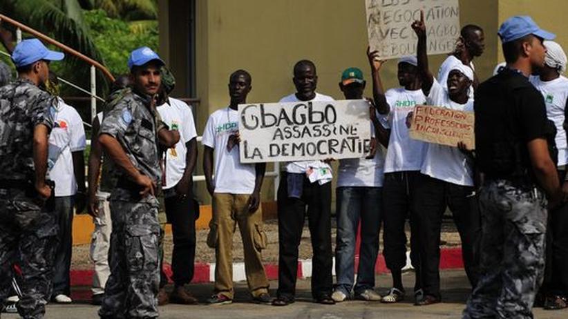 Ecowas: Unterstützer von Präsident Alassane Ouattara in Abidjan