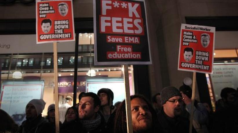 """Protestierende Briten: """"Das Fest ist vorbei"""""""