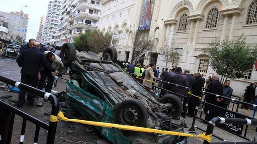Mit diesem Auto verübten Terroristen einen Bombenanschlag kurz nach Mitternacht vor einer Kirche in Alexandria