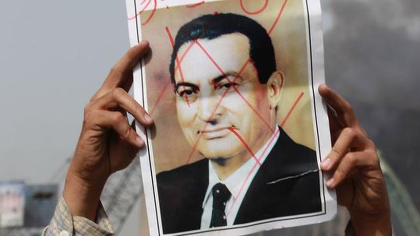 Aufstand: Mubarak macht Geheimdienstchef zum Vize