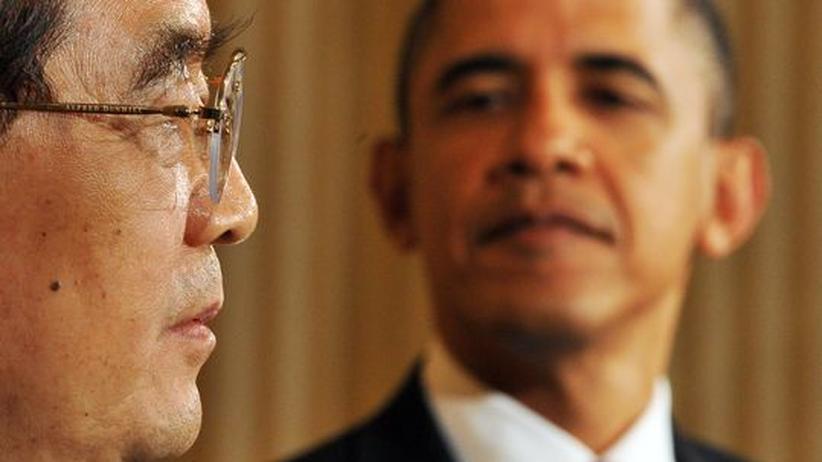 Atomstreit: US-Präsident Obama blickt hinüber zu seinem Gast, Chinas Präsident Hu Jintao
