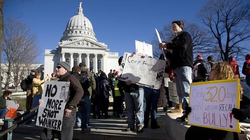 Proteste gegen Sozialkürzungen: Amerikas Linke geht zu Tausenden auf die Straße