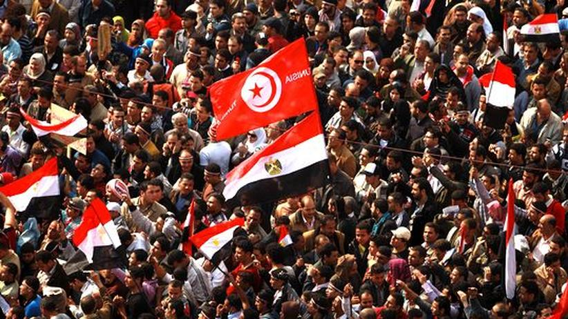 Ägypten: Mubarak tritt zurück – Militär übernimmt Macht