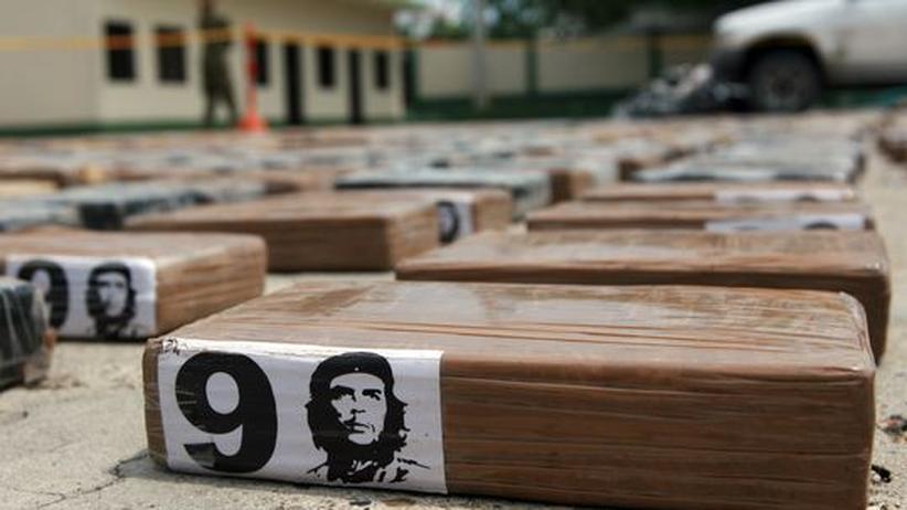 Päckchen mit Kokain in der kolumbianischen Stadt Cartagena. Rund eine Tonne Rauschgift wurde beschlagnahmt.