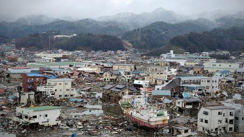 Bild der Zerstörung nach dem verheerenden Erdbeben und Tsunami: Die japanische Stadt Kesennuma. Die Naturkatastrophen haben zu dramatischen Störfällen in japanischen Kernkraftwerken geführt.