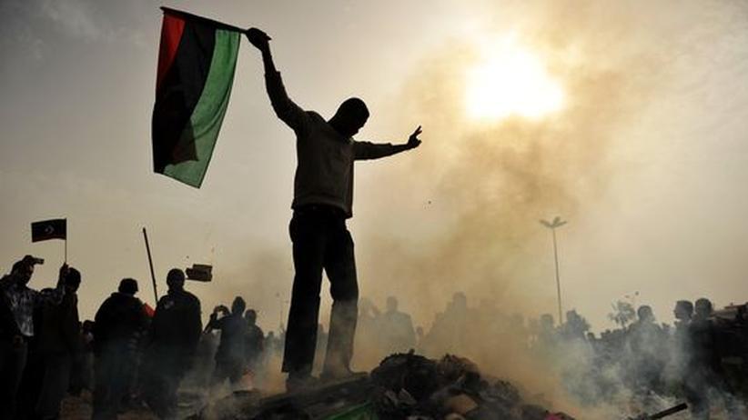 Ein Demonstrant in der libyschen Stadt Bengasi