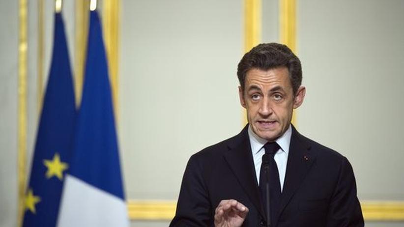 Frankreichs Ministerpräsident Nicolas Sarkozy in einer Rede nach dem UN-Beschluss.