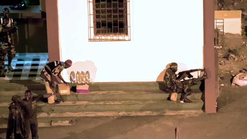 Elfenbeinküste: Ouattaras Milizen kontrollieren das Staatsfernsehen