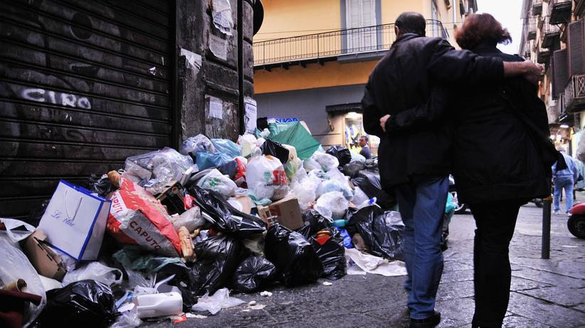 Italien: Warum Neapel im Müll versinkt
