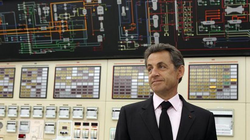 Frankreichs Präsident Nicolas Sarkozy im AKW Gravelines