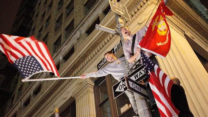 Bin-Laden-Tötung: Bürger in New York feiern die Nachricht vom Tod Osama bin Ladens.